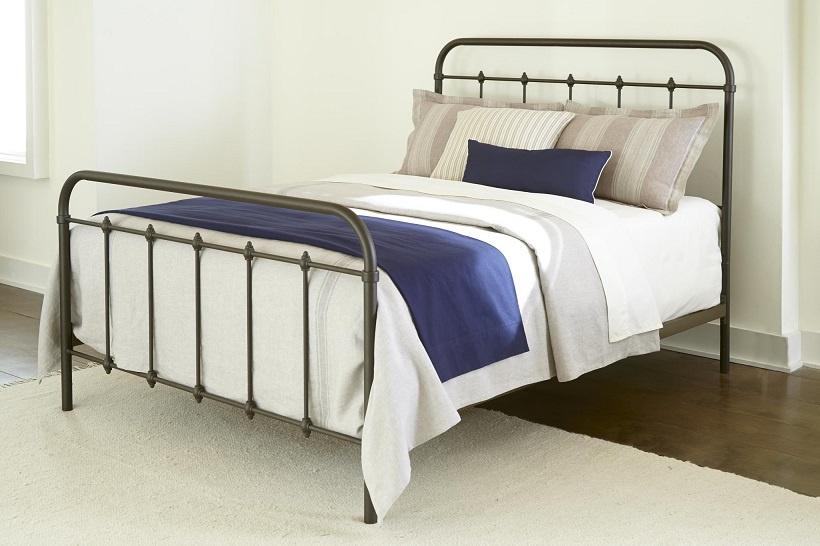 232 Metal Bed