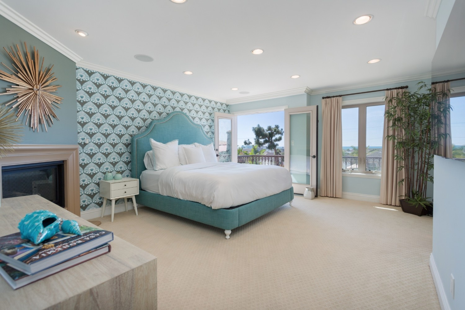 HB Ocean View Townhouse Bedroom
