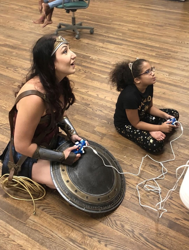 https://0201.nccdn.net/1_2/000/000/166/080/wonderwomanevent2-759x1000.jpg
