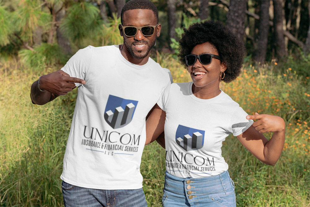 https://0201.nccdn.net/1_2/000/000/166/8f9/mockup-of-a-young-couple-pointing-at-their-t-shirts-in-a-nature-setting-30609-1000x667.jpg