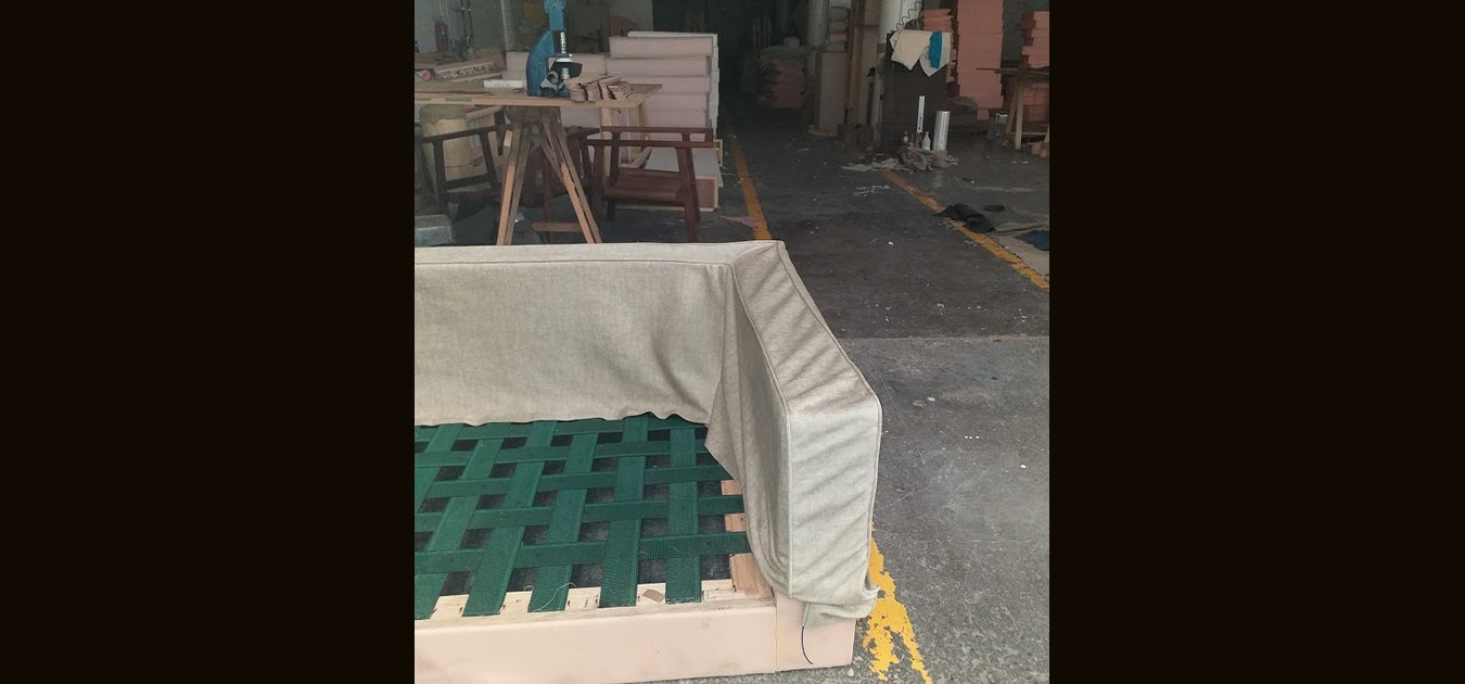 https://0201.nccdn.net/1_2/000/000/167/868/modifica-taller-tapiceria-sillones-1350x630.jpg