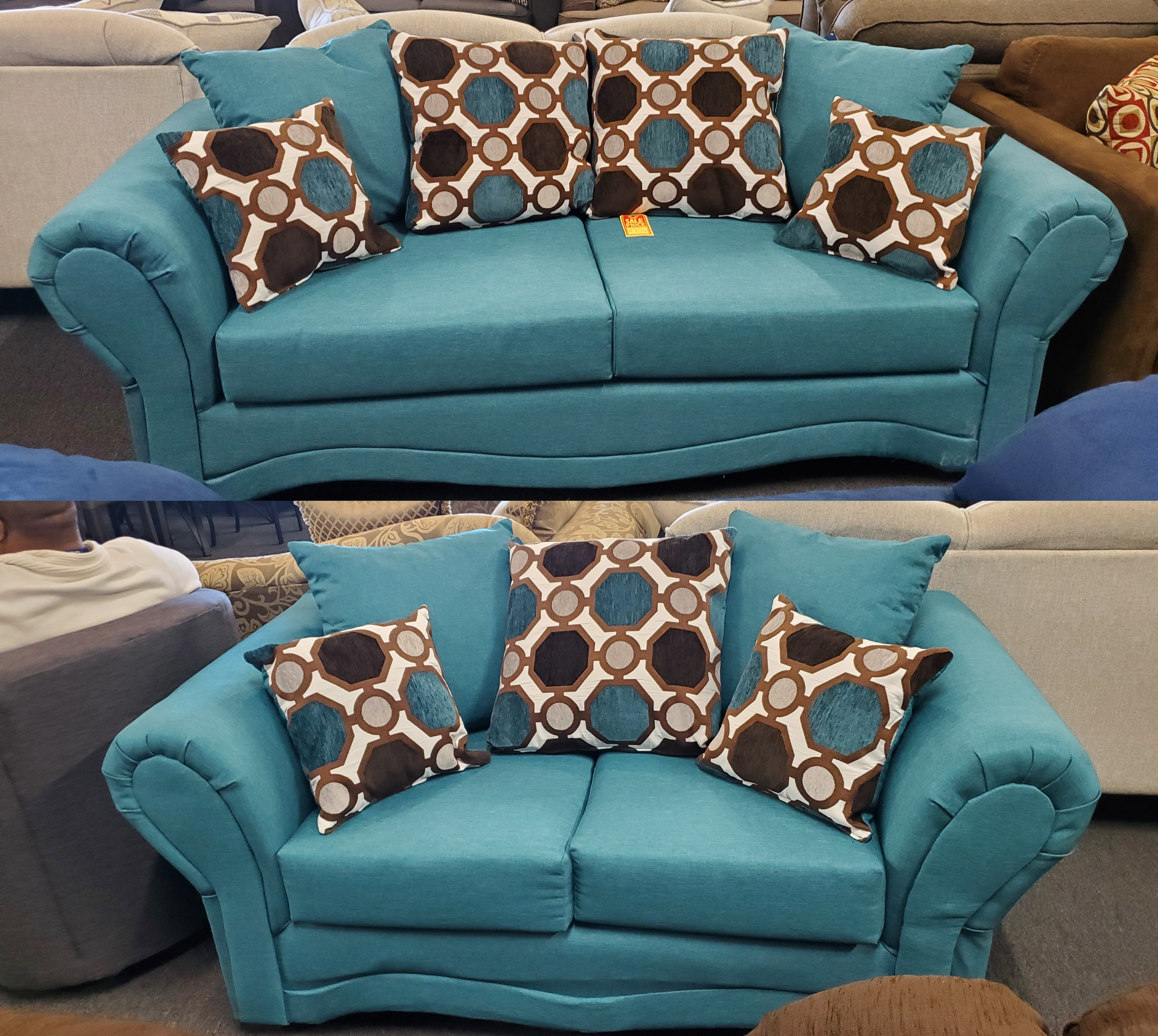 8000 Jitterbug Caribbean Sofa and Loveseat Set