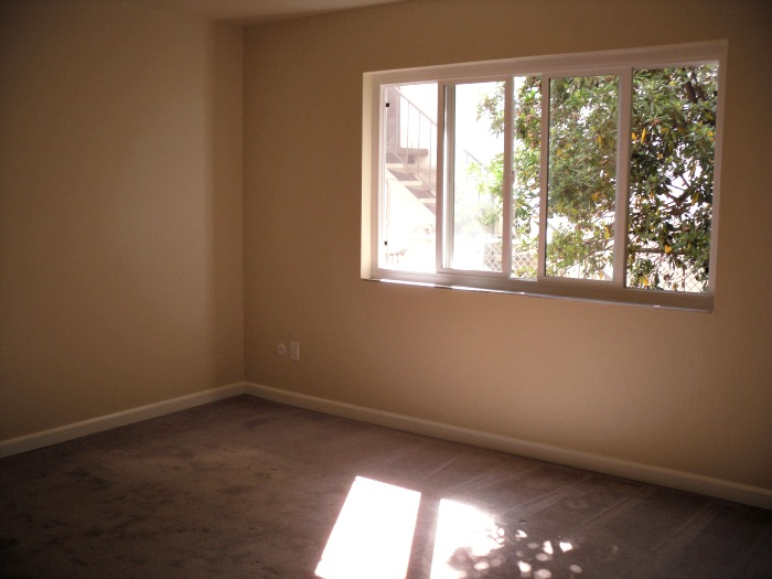 The bedroom receives natural light, but keeps its privacy.