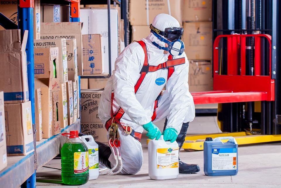 Manejo, transporte y almacenamiento de sustancias peligrosas
