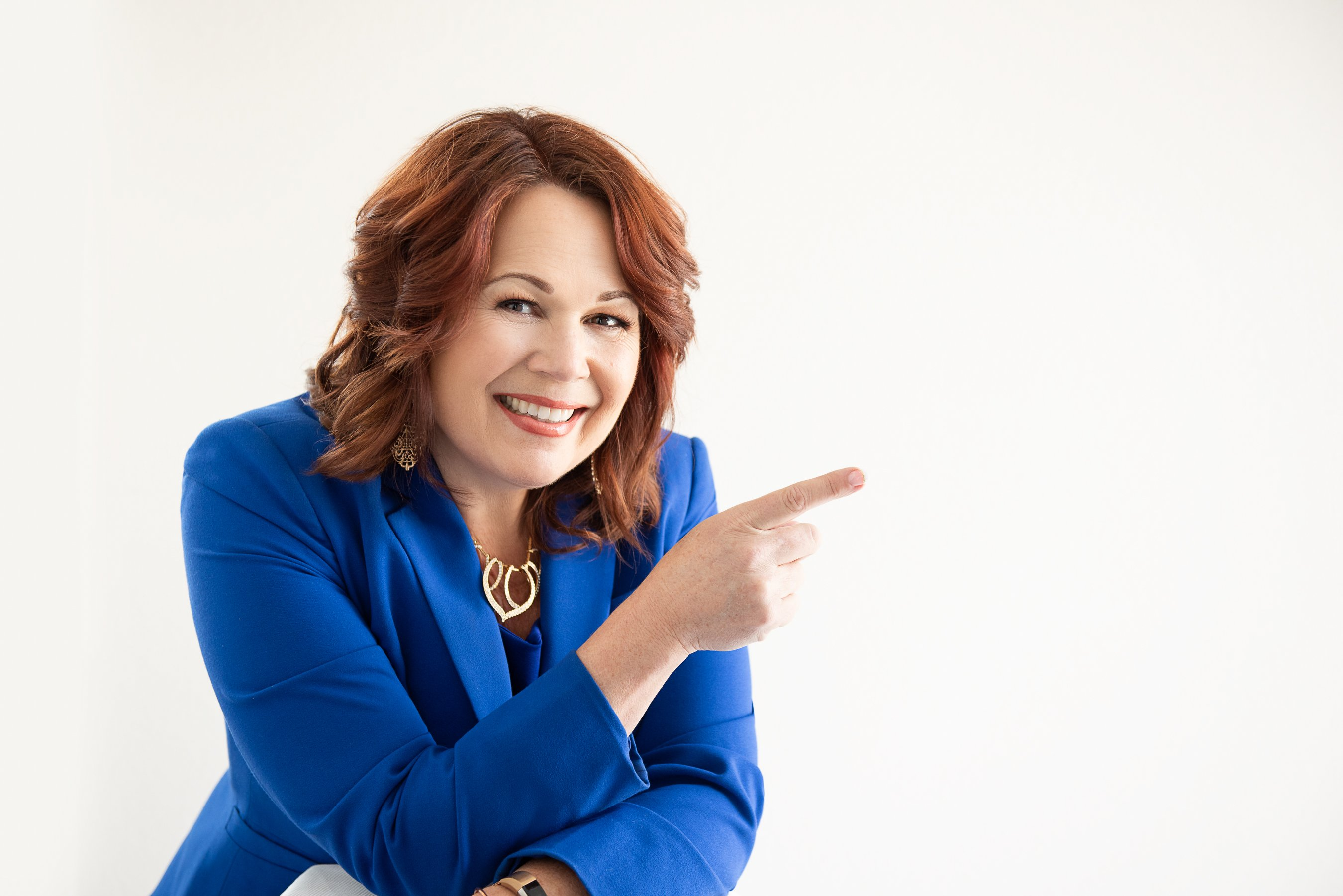 Leslie Gunterson: Certified Master Practitioner and Trainer of Nuero-Linguistic Programming, NLP Coaching, Time Line Therapy®, Clinical Hypnotherapy, ThetaHealing®, Licensed Financial Professional.