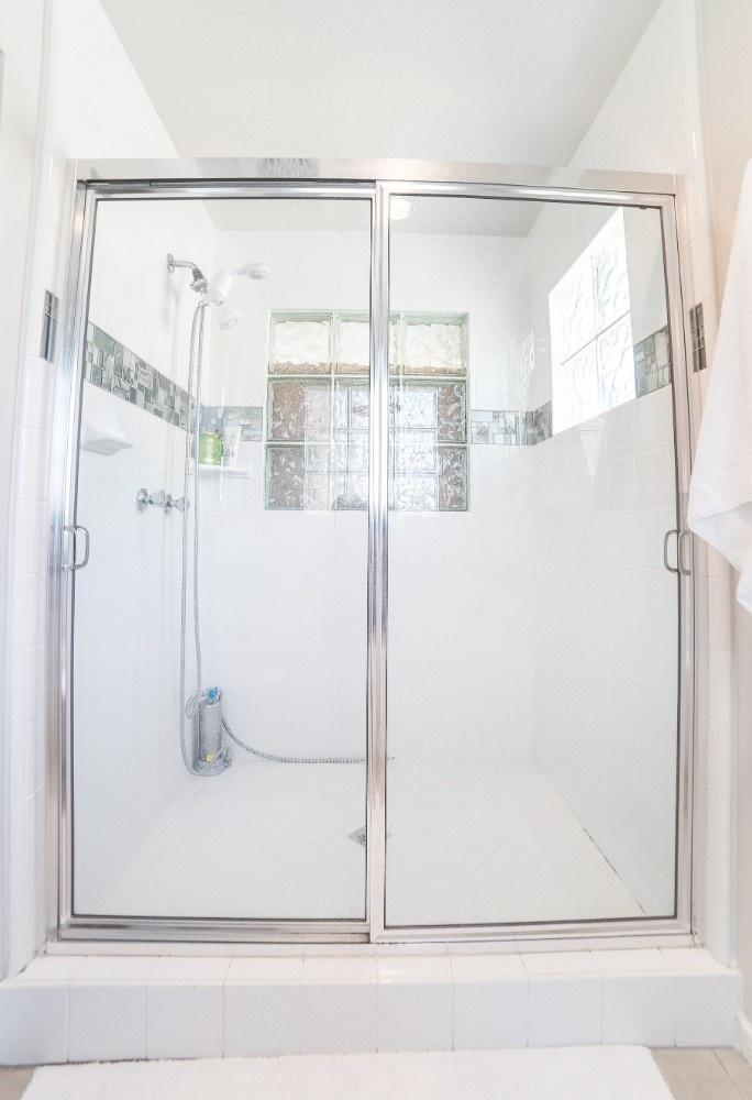 MB Escape Bathroom 2