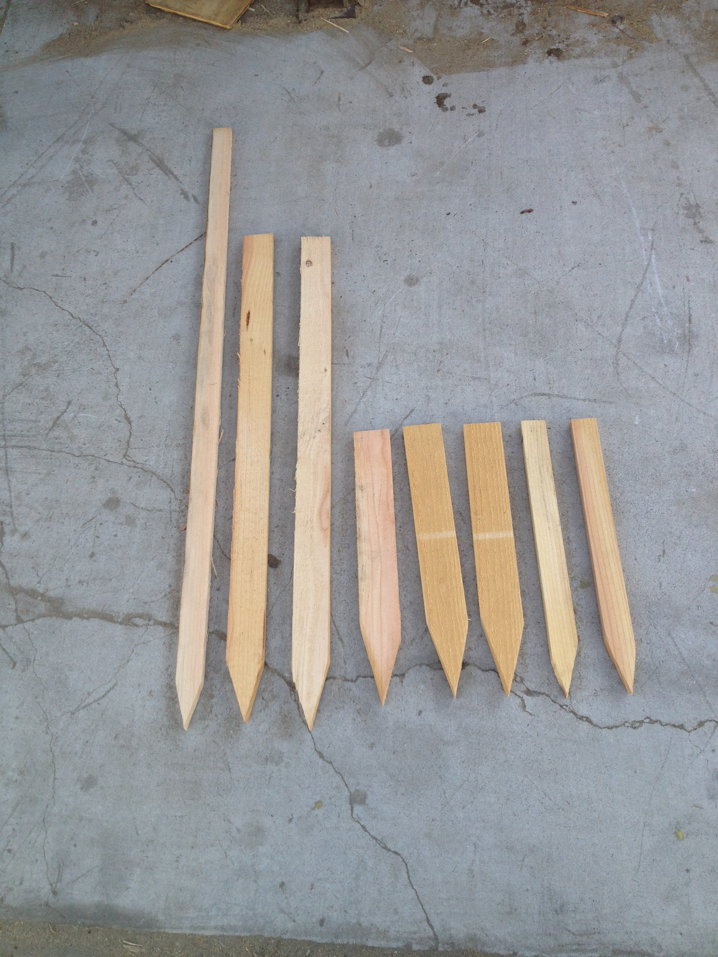 Different Sizes of Wooden Stakes||||