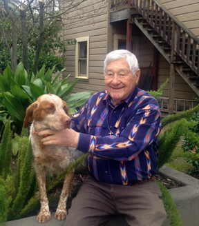 Gordon Theilen with his dog Breton's Sam I Am
