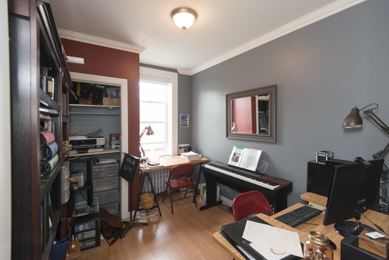 https://0201.nccdn.net/1_2/000/000/171/0c9/64-elliott-d-bedroom-2.jpg