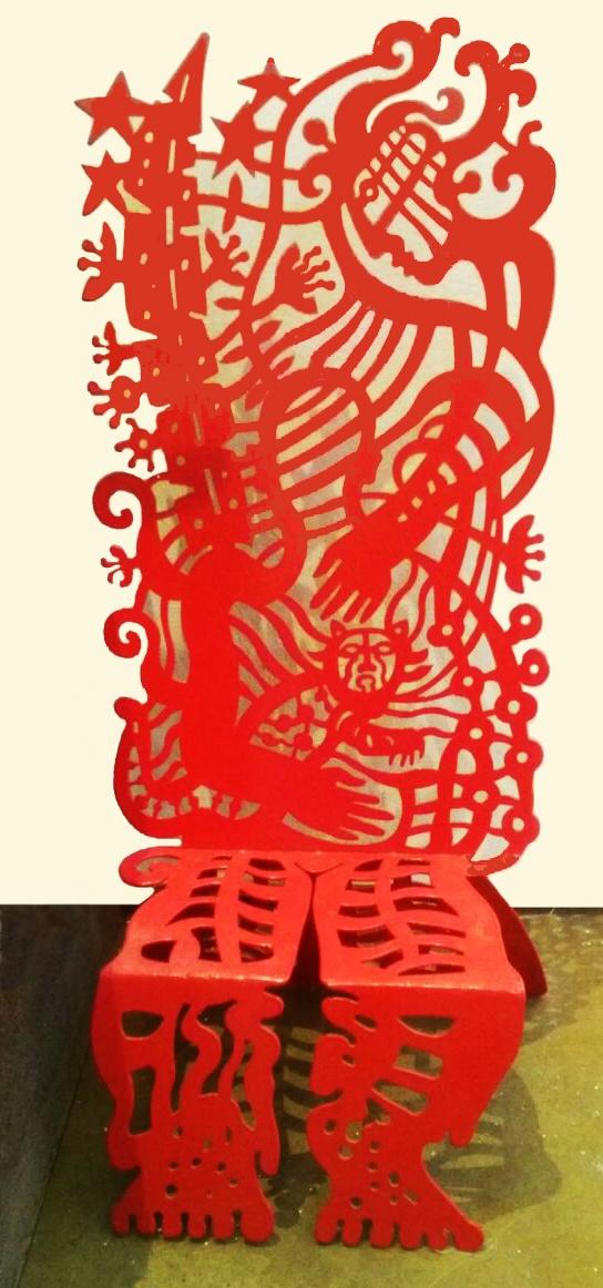 Sillita Acero pintado corte laser 55 x 25 x 22 cms.
