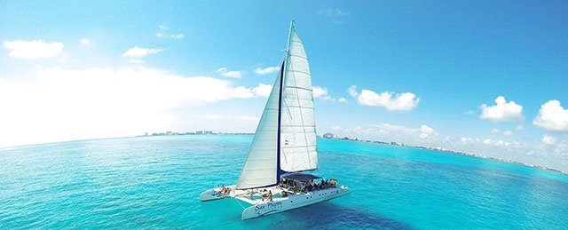 https://0201.nccdn.net/1_2/000/000/172/829/CATAMARAN-TOUR-1-640x259.jpg