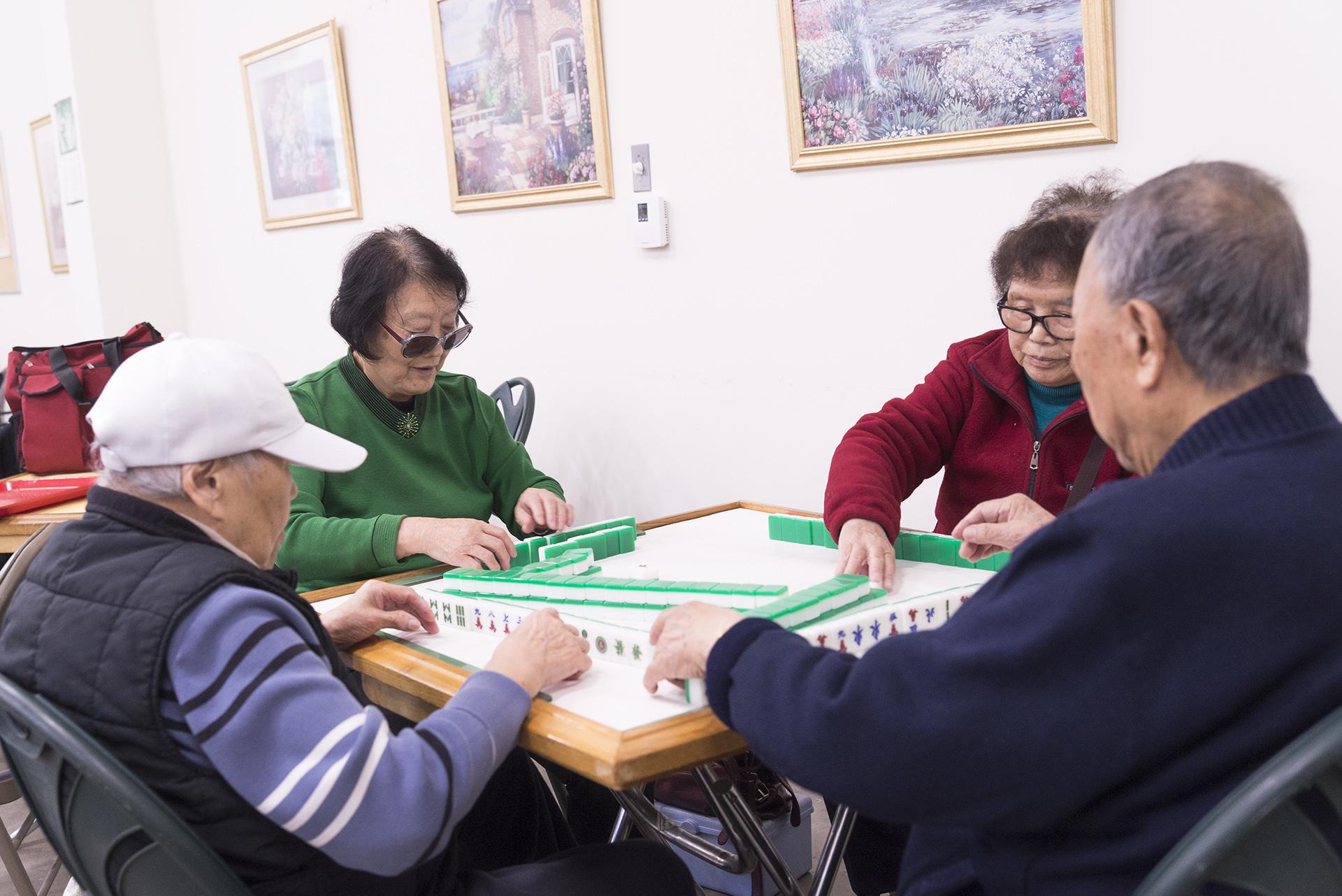 https://0201.nccdn.net/1_2/000/000/173/023/Mahjong-1920x1282.jpg