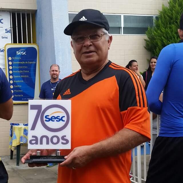 Homenagem do SESC aos trabalhos e serviços oferecidos pelo companheiro Adjamiro Ribeiro Lopes pela causa do comerciário