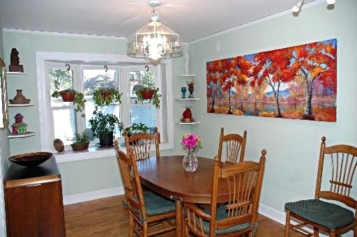 dining-room--sold-in-Long-Grove