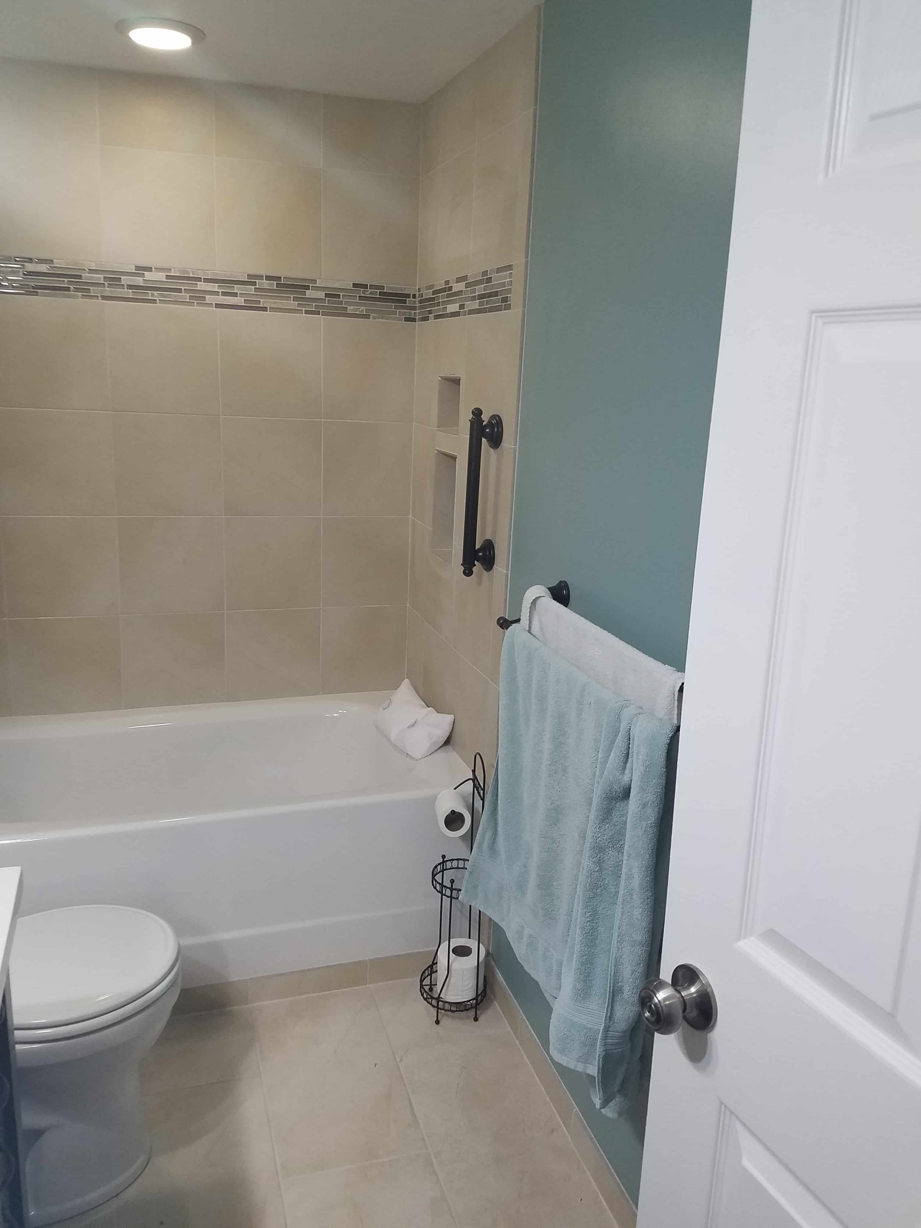 https://0201.nccdn.net/1_2/000/000/174/825/BathroomDetails-min-3024x4032.jpg