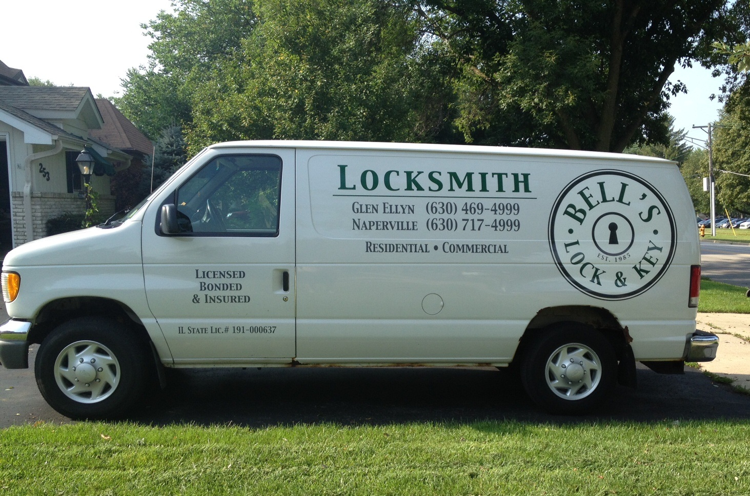 Bell's Lock & Key Van