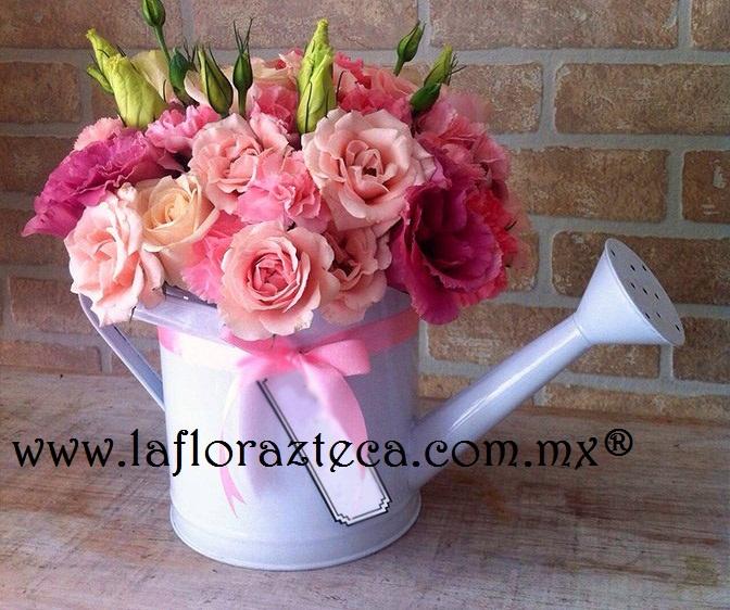 Regadera con rosas