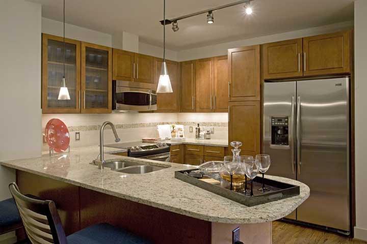 https://0201.nccdn.net/1_2/000/000/178/c68/one-park-place-kitchen2.jpg