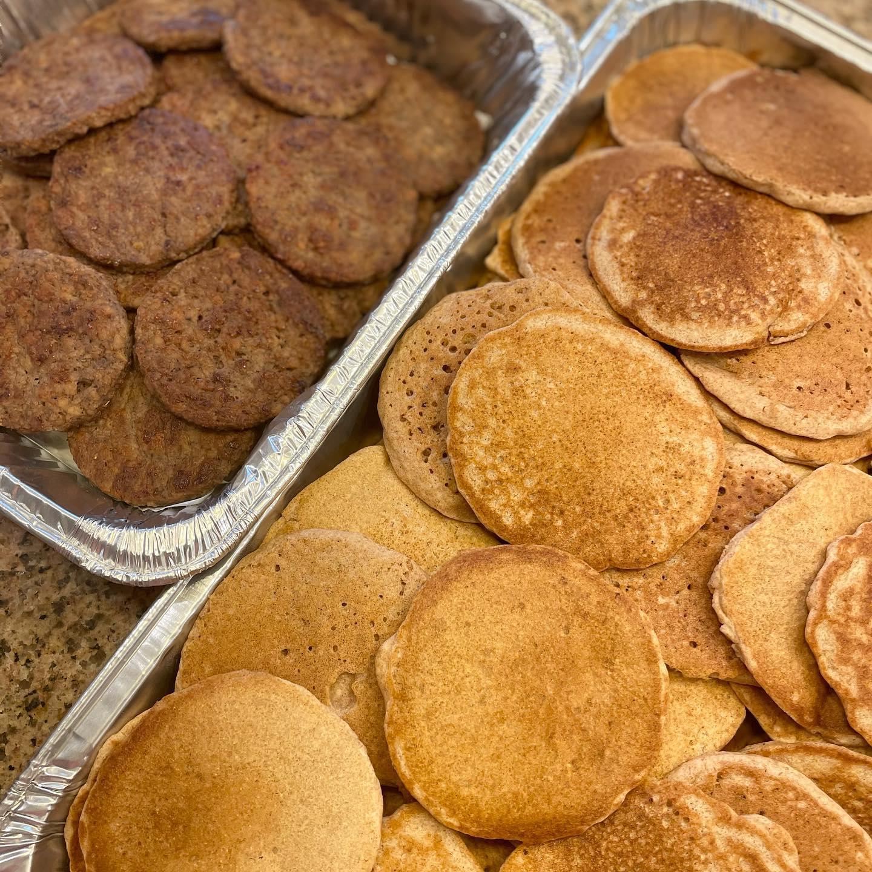 https://0201.nccdn.net/1_2/000/000/17a/825/pancake-and-sausage.jpg