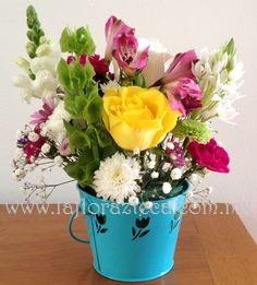 MD - 102  $480 Variedad de Flores de Temporada