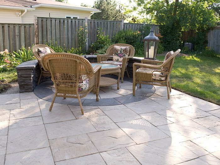 Circle Flagstone Patio