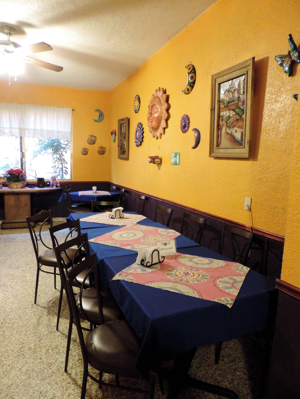 https://0201.nccdn.net/1_2/000/000/17e/3d9/restaurante2.jpg