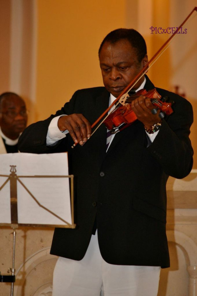 Freddy Lawson playing the violin