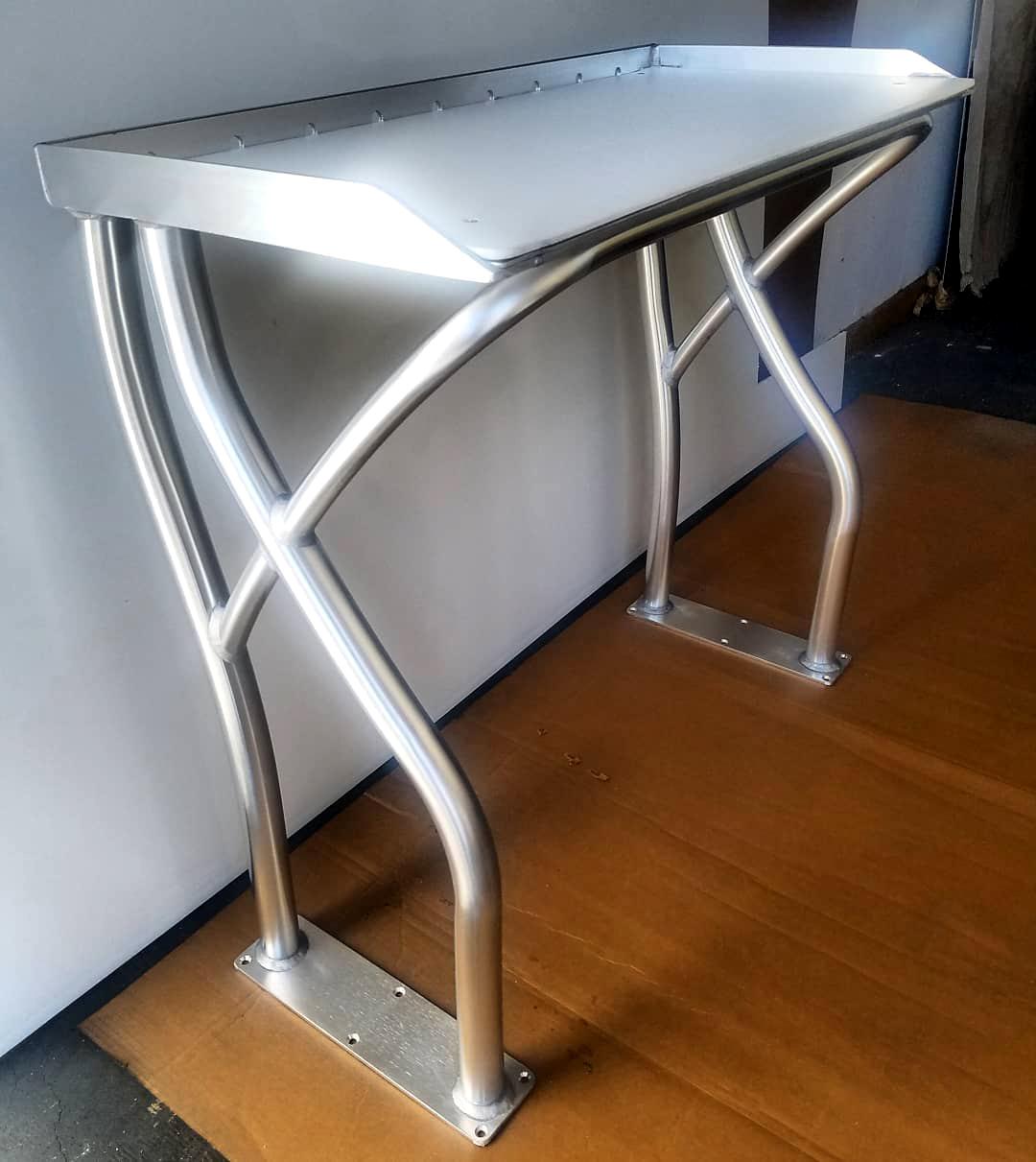 Custom Polished Anodized Aluminum Fish Cutting Table