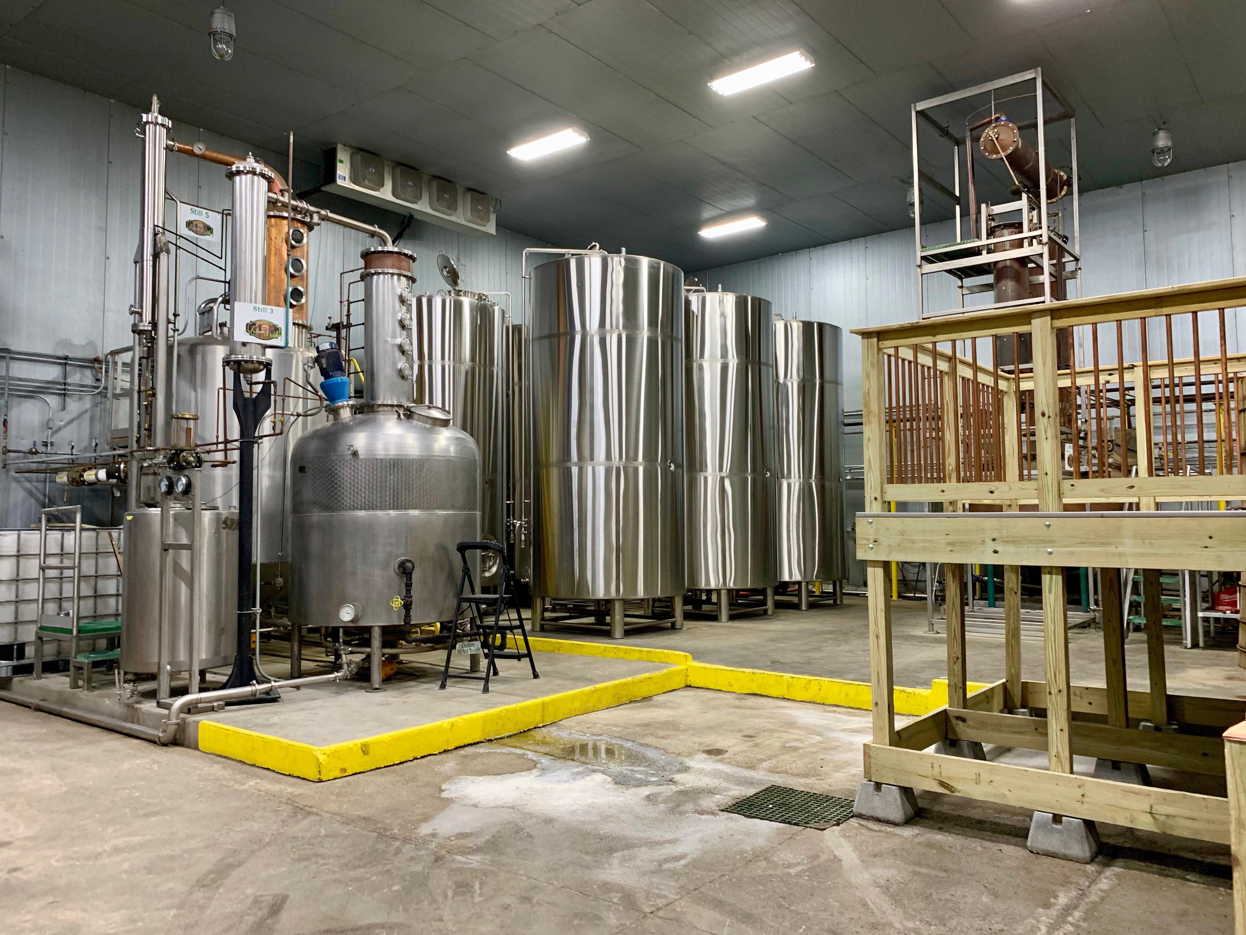 Stripping Stills and Stainless Steel Fermenters - Kentucky Artisan Distillery
