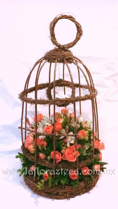 MD - 125  $680 Jaula artesanal de mini rosas y astromelia