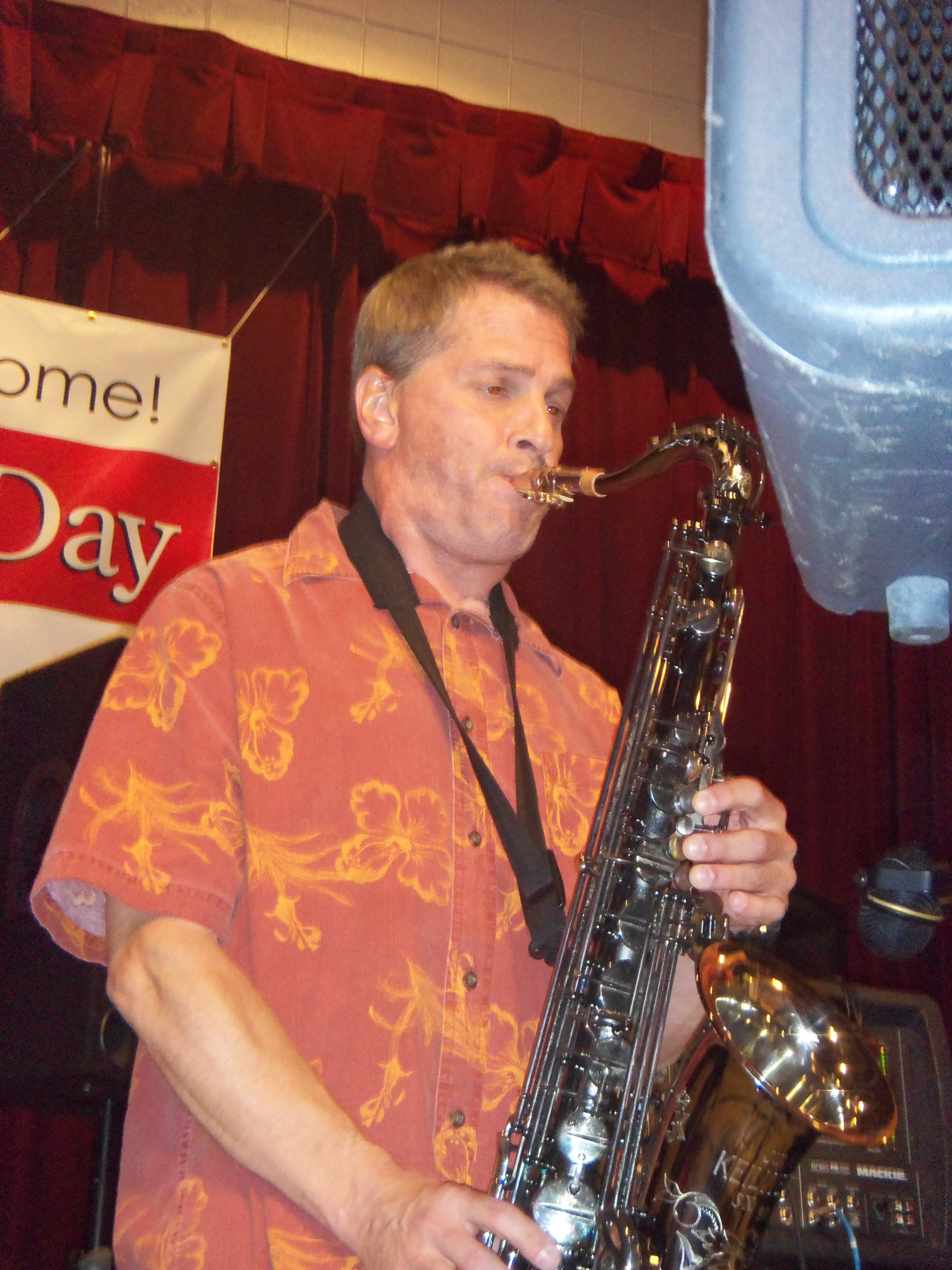 Dave Mitera an outstanding clarinet and sax man!