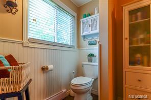 https://0201.nccdn.net/1_2/000/000/182/172/bathroom4.jpg