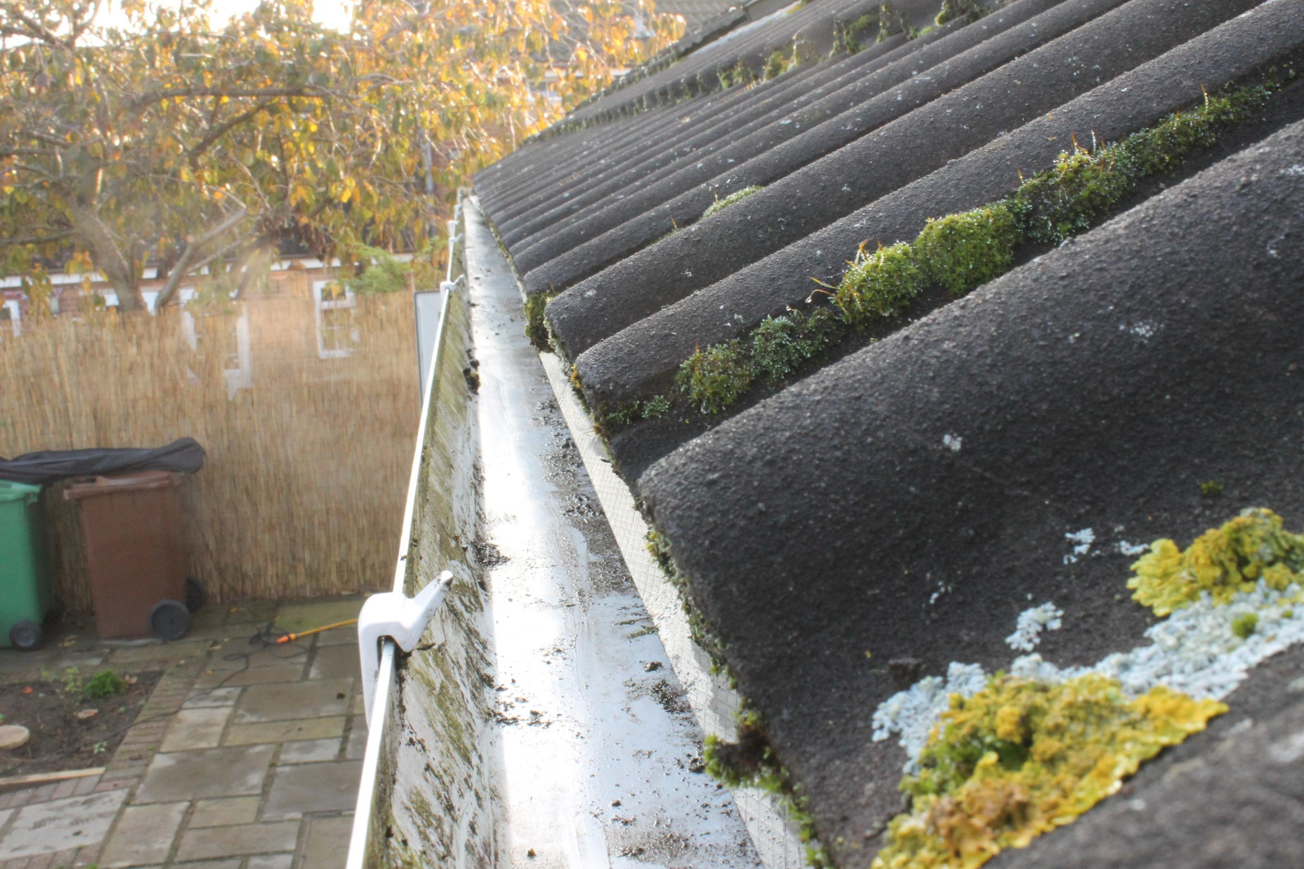 r - GUTTER CLEARING