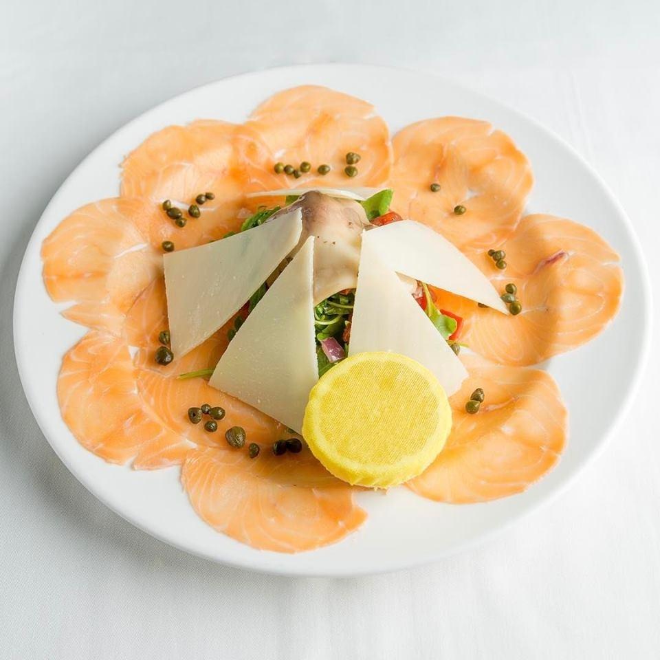 Carpaccio Salmone with lemmon