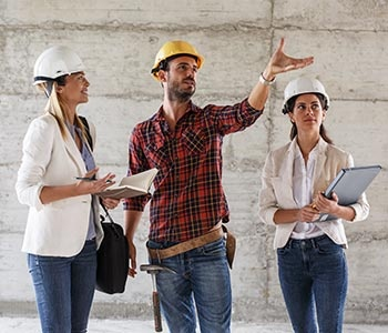 Discuss With Head Engineer About Building Project