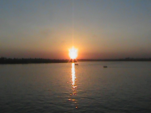 Suetting sun on the Nile River