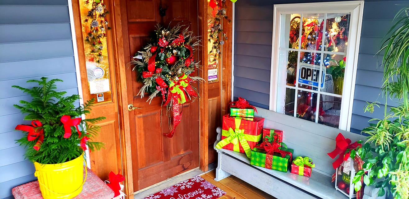 Christmas-Decorated Porch