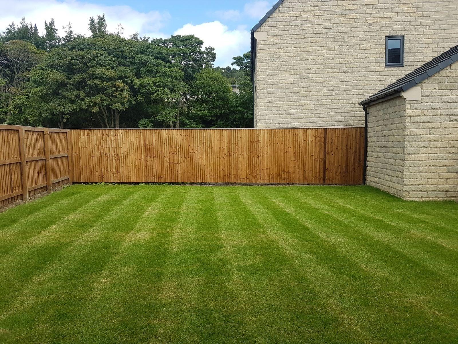 https://0201.nccdn.net/1_2/000/000/187/123/Garden-cut-and-clean-up-1600x1200.jpg