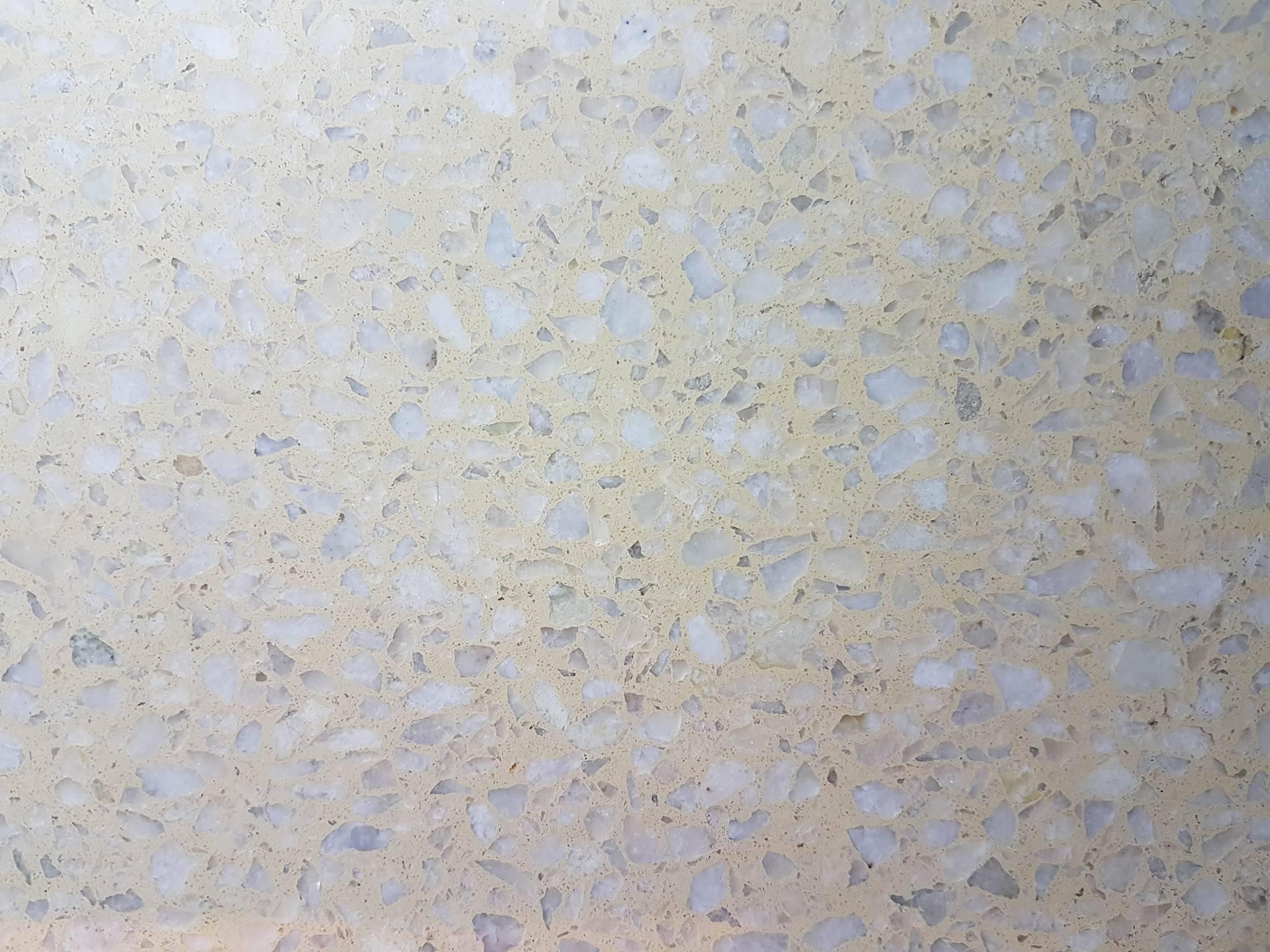 Mosaico granítico Champo con blanco 1/3