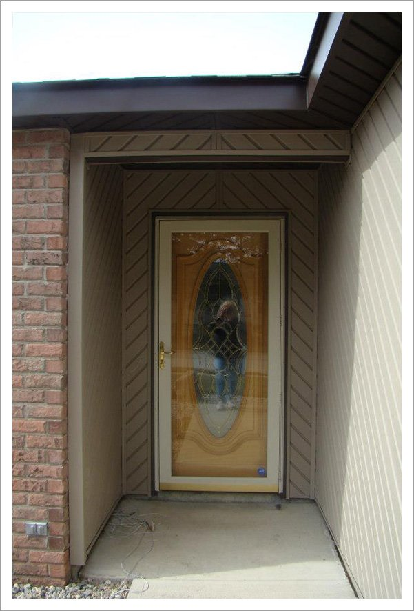Front entry siding and door||||
