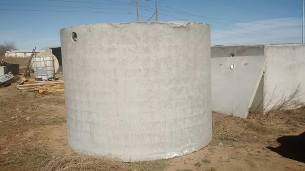 https://0201.nccdn.net/1_2/000/000/18b/0de/3000-gallon-tank.jpg