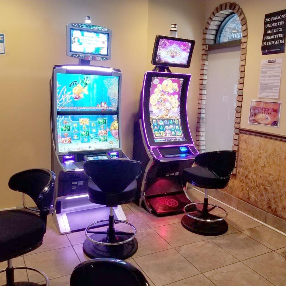https://0201.nccdn.net/1_2/000/000/18d/d8a/slot-machines-1000x1000.jpg