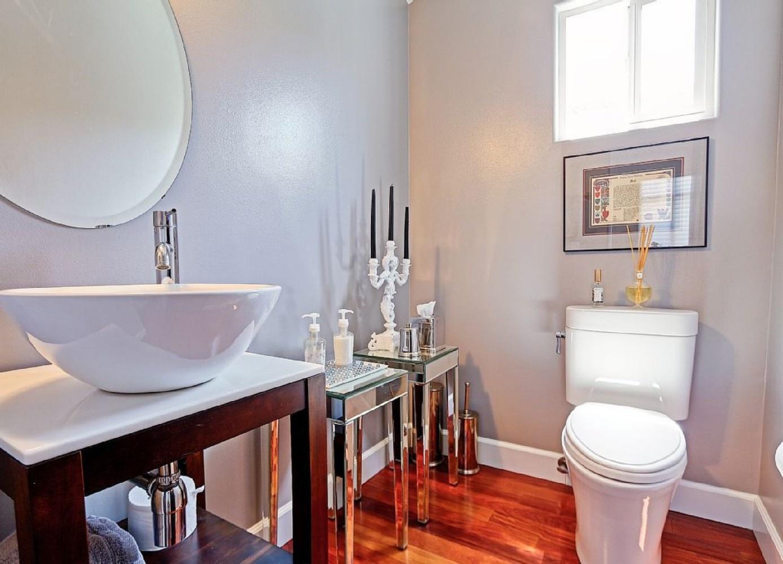 South MB Bathroom 3
