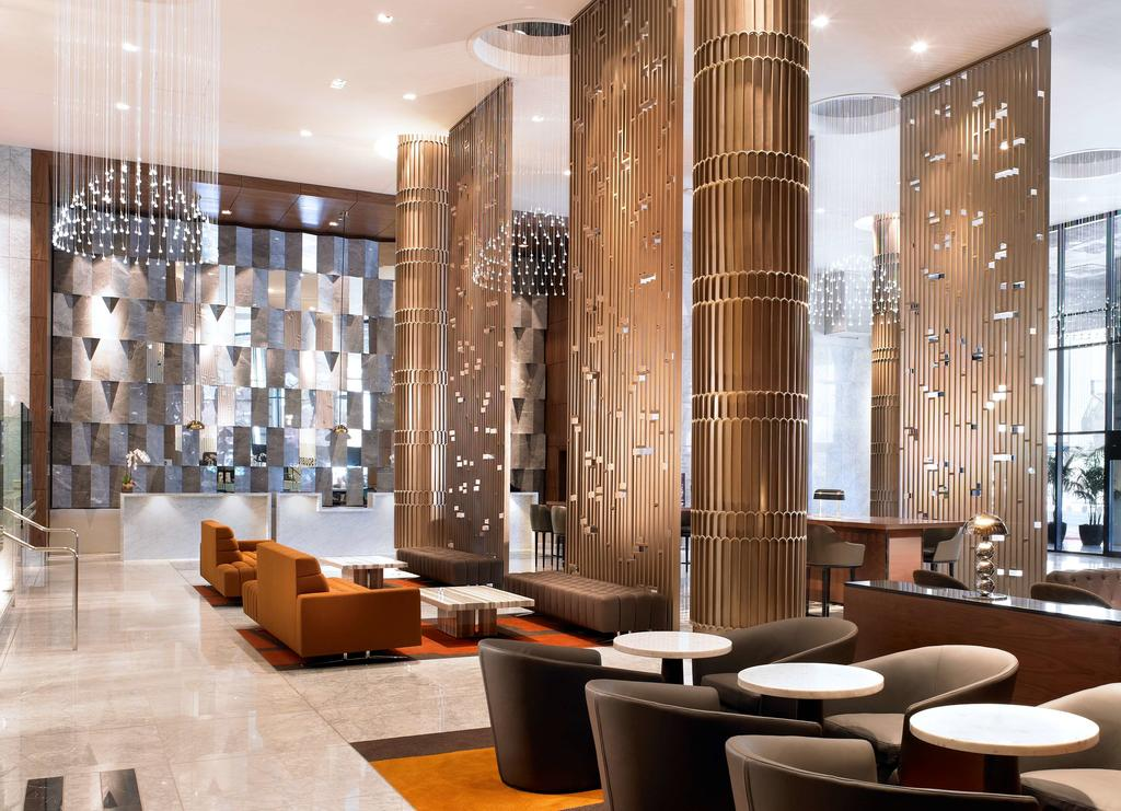 Sheraton DTLA Lobby - Decorative Columns