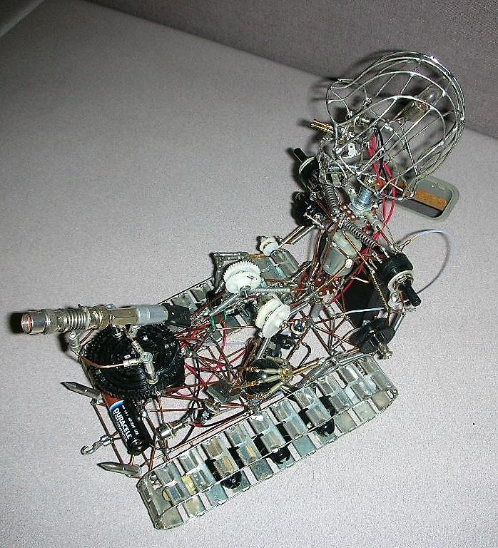 https://0201.nccdn.net/1_2/000/000/192/d28/Trackbot4-698x768.jpg