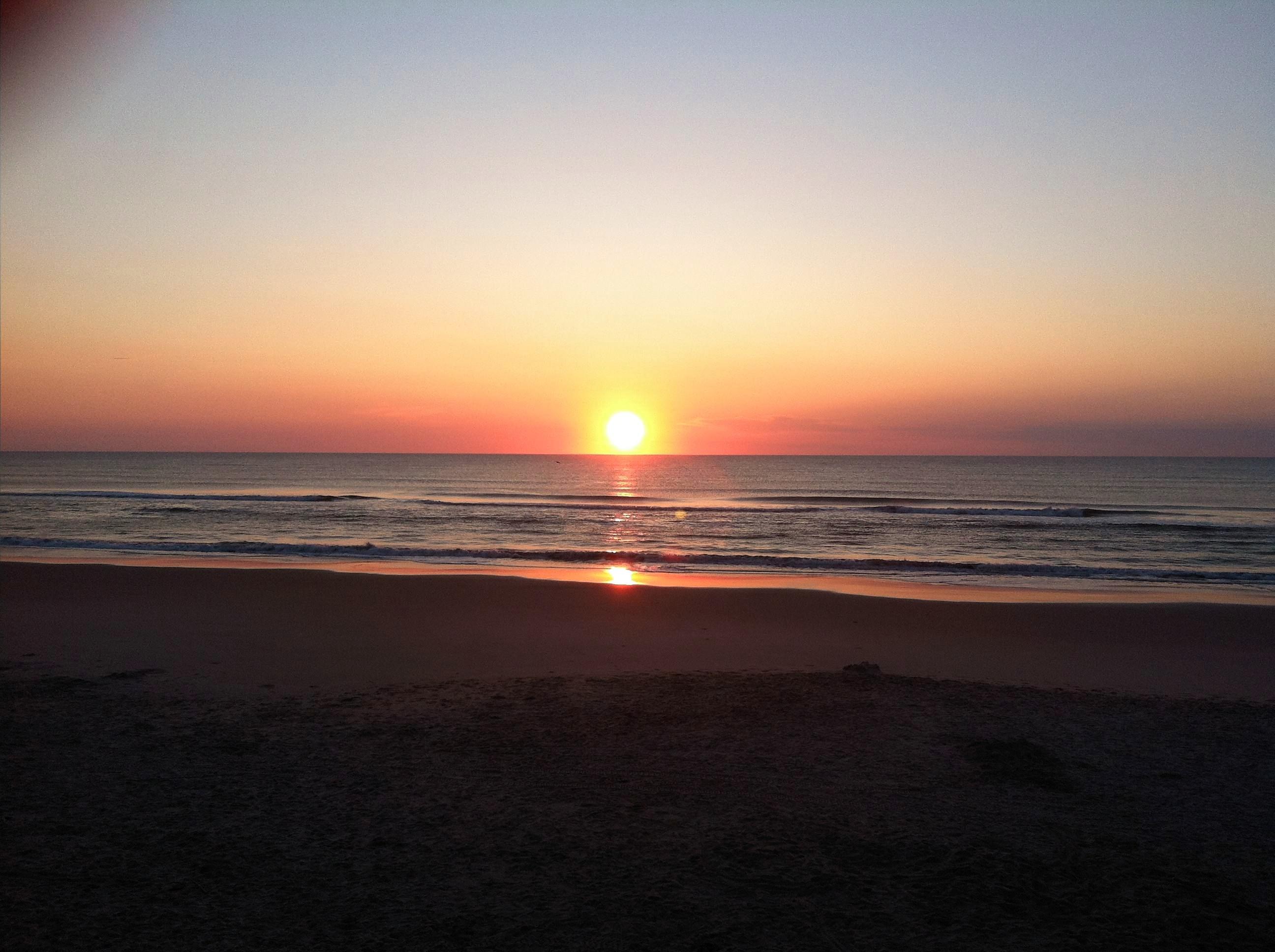 https://0201.nccdn.net/1_2/000/000/193/4b0/beach-2592x1936.jpg
