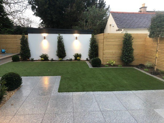 Contemporary Lawn