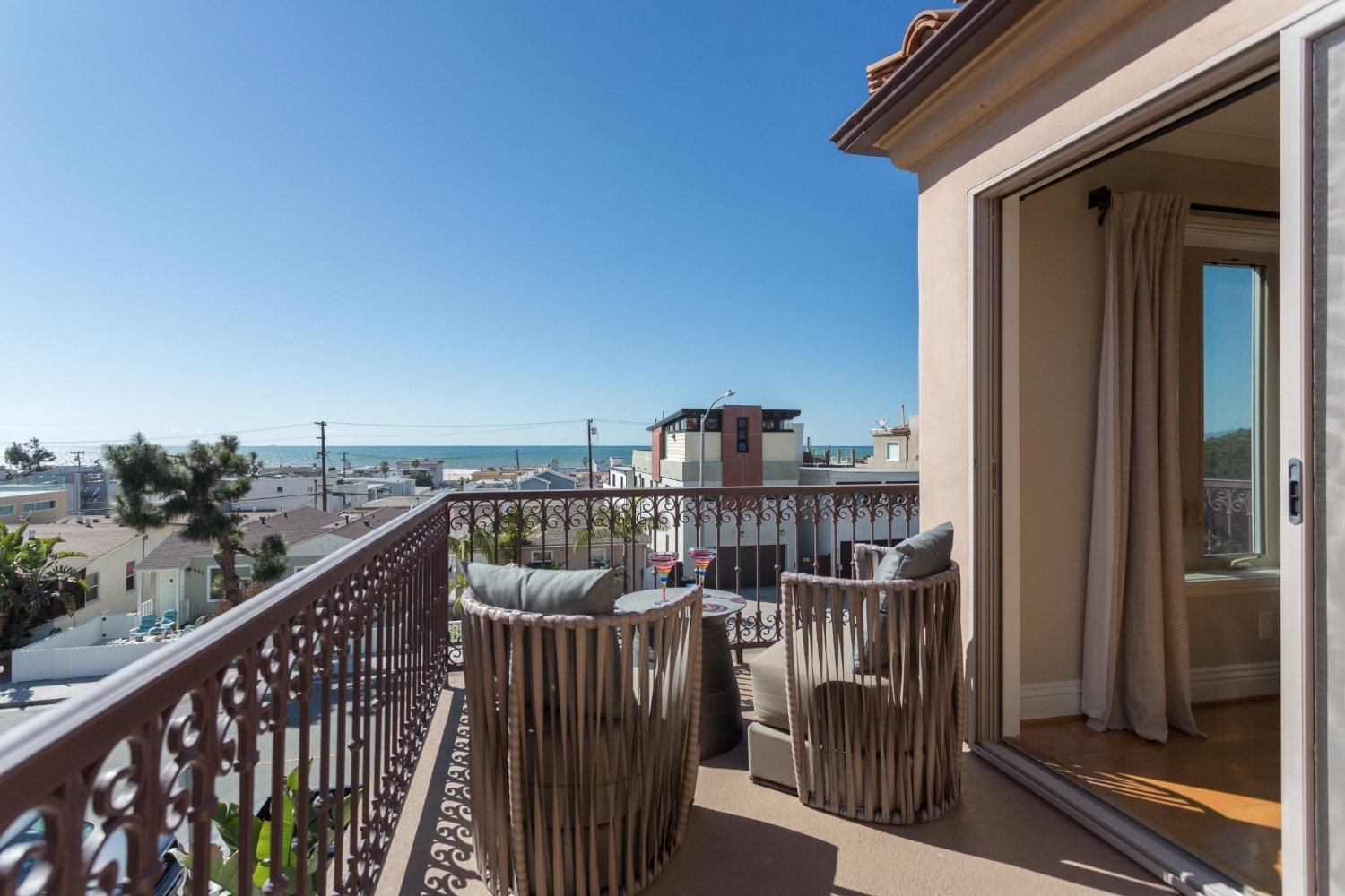 HB Ocean View Townhouse Balcony