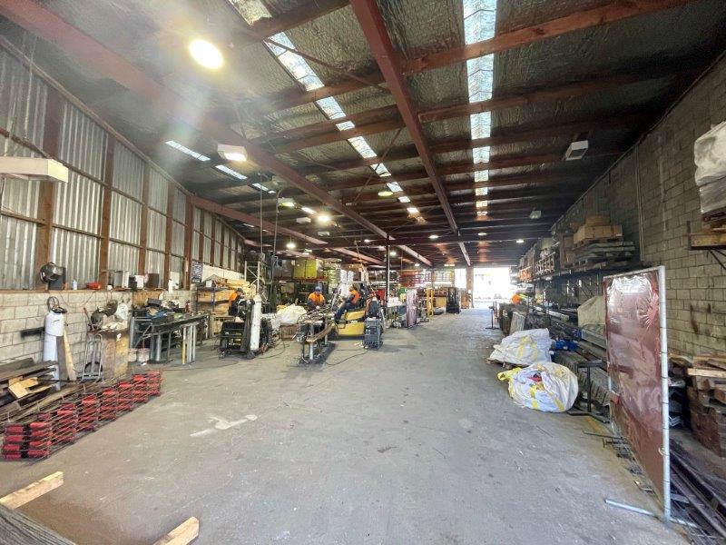 https://0201.nccdn.net/1_2/000/000/195/a44/700-great-south-road-warehouse-for-lease--10-.jpg
