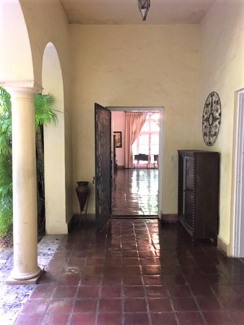 https://0201.nccdn.net/1_2/000/000/195/e27/entrance-door.jpg